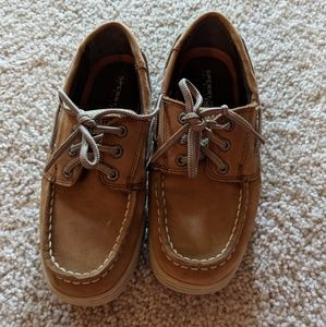 Boys Sperry boat shoes